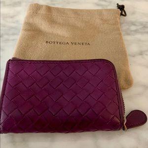 *final sale*BOTTEGA VENETA zip around wallet